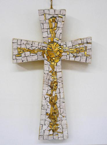 croce gotica mosaico oro e travertino